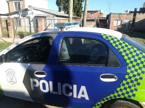 GRAND BOURG: POLICÍA MATÓ A UNO DE LOS HOMBRES QUE INTENTARON ROBARLE LA MOTO