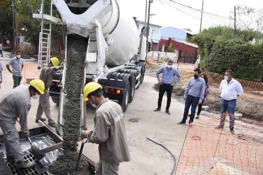 PAVIMENTO E HIDRÁULICA PARA UN TRAMO DE LA CALLE LUIS VERNET