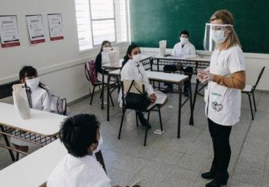 EL MIÉRCOLES VOLVERÁN LAS CLASES PRESENCIALES EN LA PROVINCIA